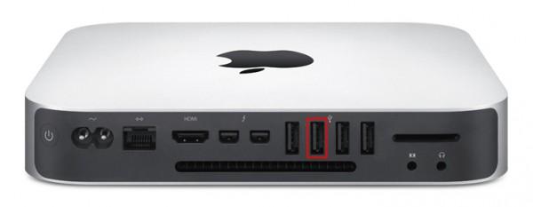 De tweede USB-ingang van links gebruik je voor het beste resultaat.